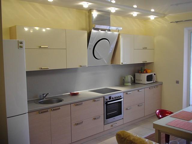 Дизайн кухни 7 кв.м с диваном